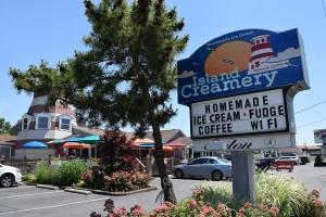 dining-island-creamery